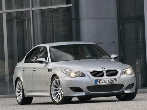 Oldie but goodie: BMW E60 M5 Tested by Tiff Needell