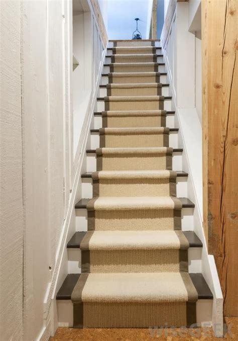 What is a Hallway Runner? (with picture)