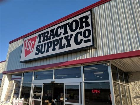 Tractor Supply Military Discount: 15% Off (+Veterans Day