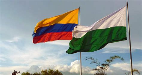 Colombia Flag | Colombia Travel Guide